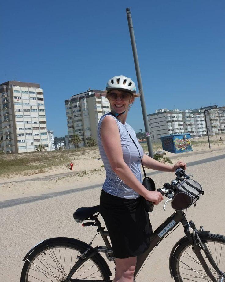 Biking to the beaches in #Lisbon #Portugal.  #euroscenes #travel #traveling #europetravel #traveleurope #europe #europeanvacation #lisbonscenes #lisbonlovers #lisbonportugal