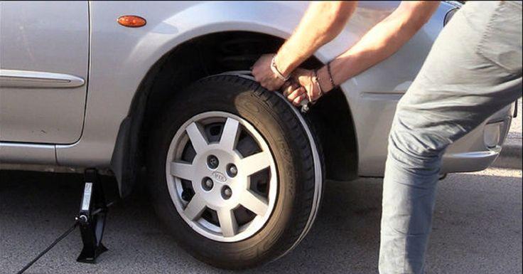 Quedarse sin batería en el coche es siempre un dolor de cabeza. Si vas a viajar con alguien te puede echar una mano, pero imagínate que ...