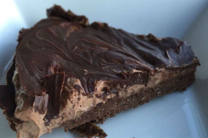 **Recipe Triple Chocolate Cheesecake** Doesn't this look amazing! Low in sugar and high in good fats. Great healthy alternative. Thanks Foodie Fitness Girl awesome recipe. - Ange :) http://180nutrition.com.au/recipes/triple-chocolate-vegan-cheesecake/