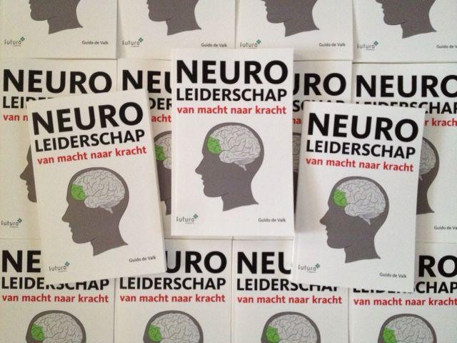 Het boek Neuroleiderschap van Guido de Valk is boekentip bij Baaz: Deze tijd vraagt om een ander type leider en manager. Maar hoe word je een nieuwe manager of leider? In het boek 'Neuroleiderschap, van macht naar kracht' geeft auteur Guido de Valk hier zijn visie op. #neuroleiderschap #guidodevalk #baazmagazine #futurouitgevers