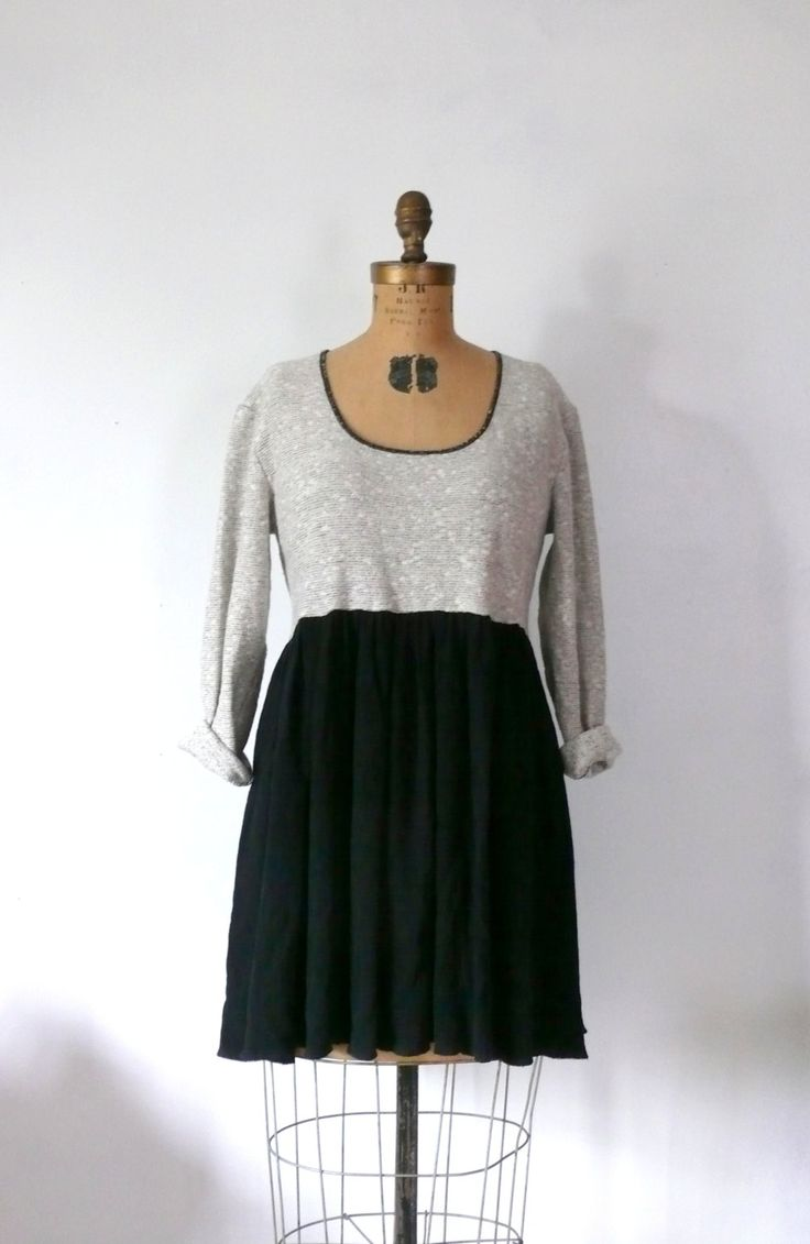 Vintage 1980 Dresses
