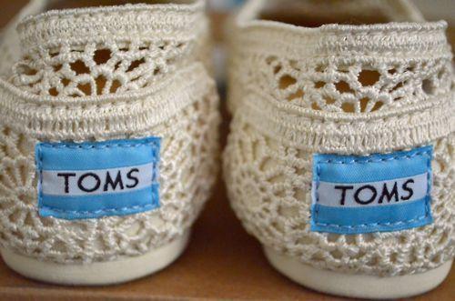 love my toms: Lace Toms, Crochet Toms, Wedding Shoes, Summer Shoes, Toms Shoes, Bridesmaid Shoes, Fashion Blog, White Lace, Lace Shoes