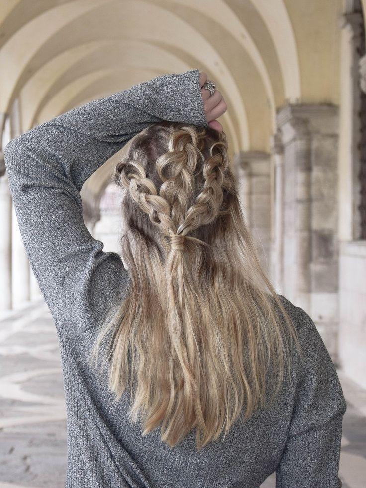 Auf die Details kommt es an vor allem bei dieser super süßen Frisur. Wie ihr sie ganz einfach Nachmachen könnt erkläre ich euch wenn ihr auf das Bild klickt. Anleitung - DIY Frisur - Frisuren Anleitung - geflochtene Haare - Haare flechten - lange Haare - mittellange Haare - Frisuren Turtorial - Zöpfe - Zopf flechten