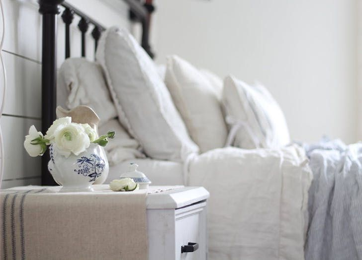10 Ways To Turn Your Bedroom Into A Rustic Country Oasis
