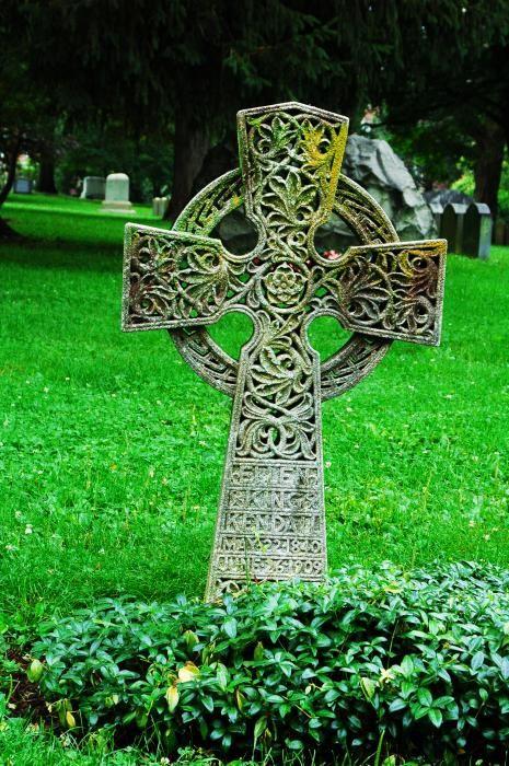 best 25 celtic cross tattoos ideas on pinterest celtic crosses celtic trinity knot and. Black Bedroom Furniture Sets. Home Design Ideas