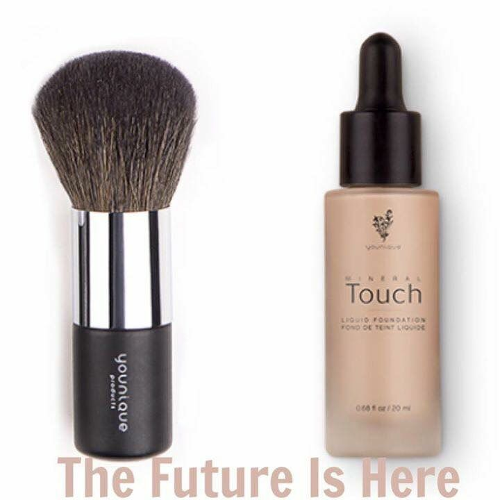 Cream to powder foundation ........ Best used with a powder brush  #younique #foundation #brush