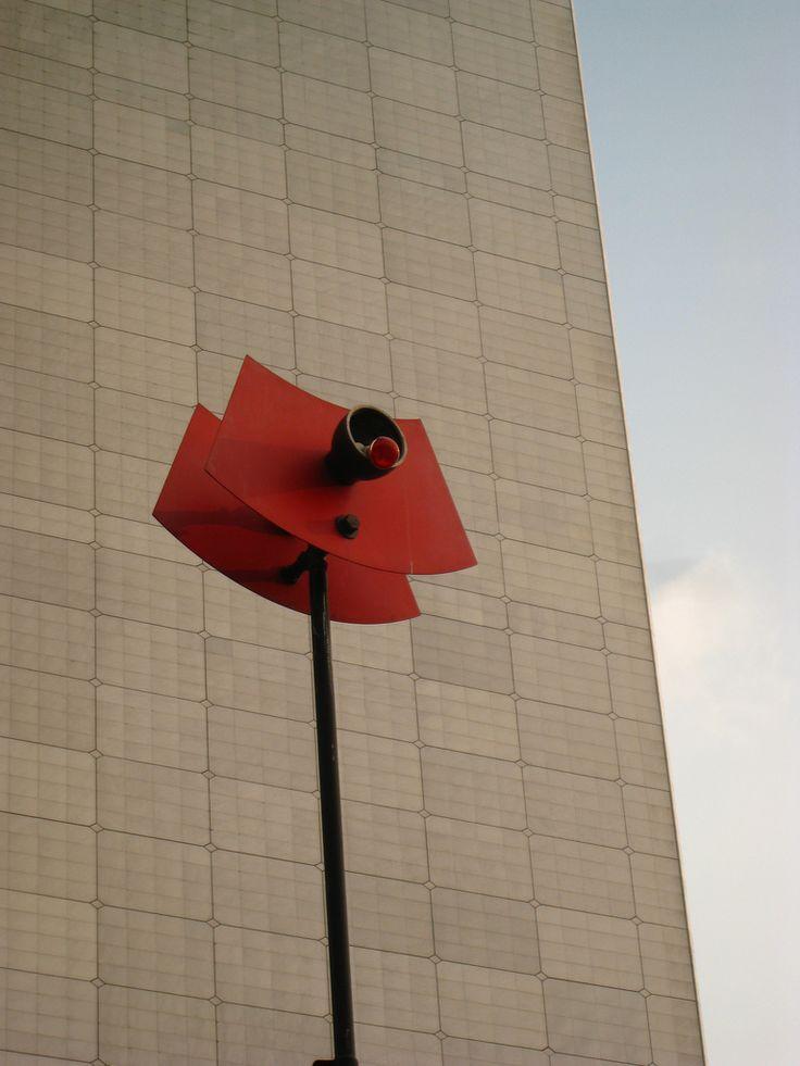 Détail des Arbres lumineux de Takis.Quartier de la Défense