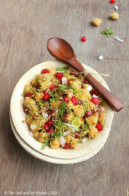 ALOO CHANA CHAAT | CHAAT RECIPES - A Guest Post for Cakes and More