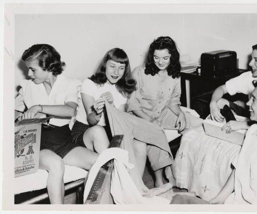 Five students from the Class of 1948 in a dormitory room :: Archives and Special Collections Digital Images