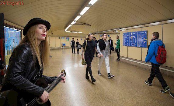 Sabina estrena su nuevo disco en 12 estaciones de Metro