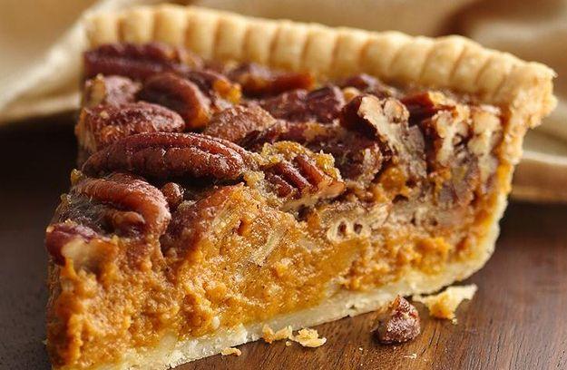 Pecan-Pumpkin Pie / 11 Easy Recipes For Friendsgiving In Your College Dorm (via BuzzFeed)