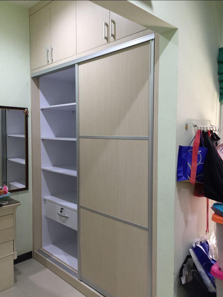 Simple Sliding door wardrobe by Simple Luxury Interior at Surabaya Indonesia