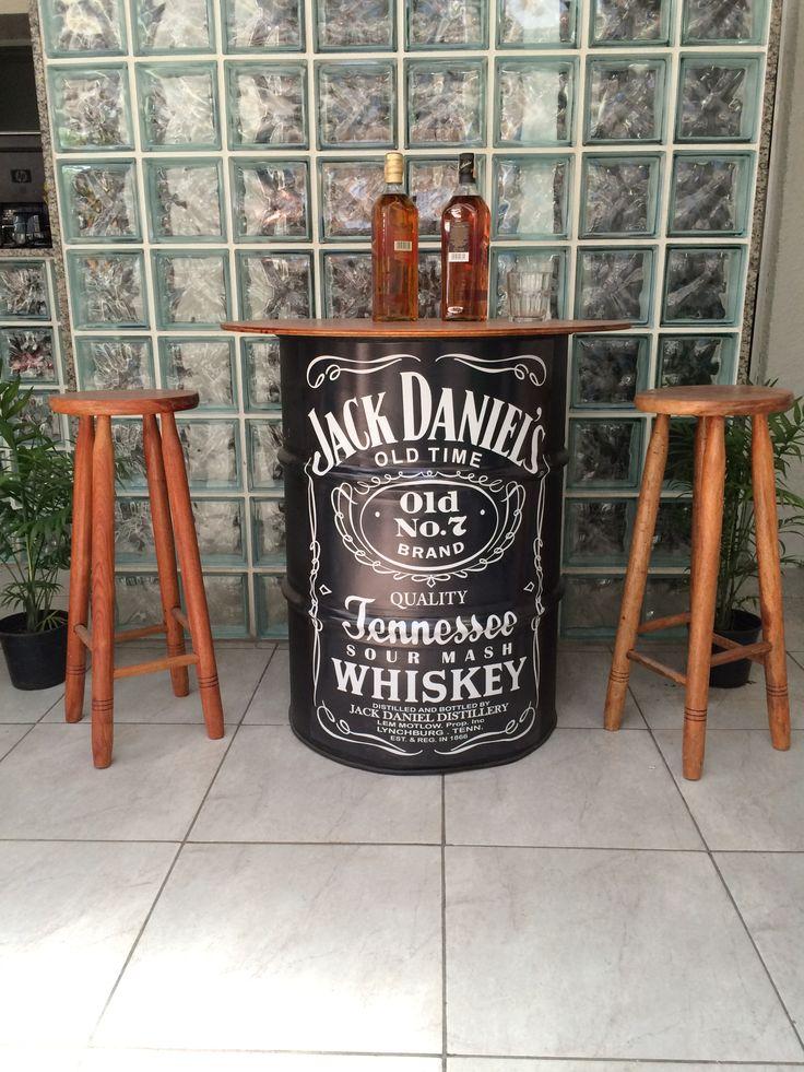 [DECOR] TAMBOR DE AÇO COM TAMPO DE MADEIRA - Jack Daniel's.