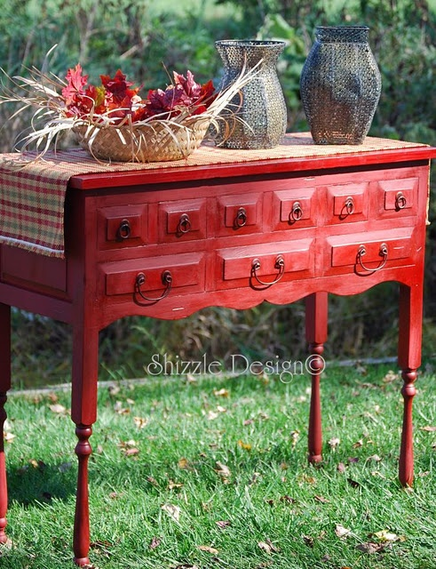 red side table: Emperor Silk, Paintings Furniture, Side Tables, Paintings Ideas, Sideboard Buffet, Picket Fence, Annie Sloan, Chalk Paintings, Red Tables