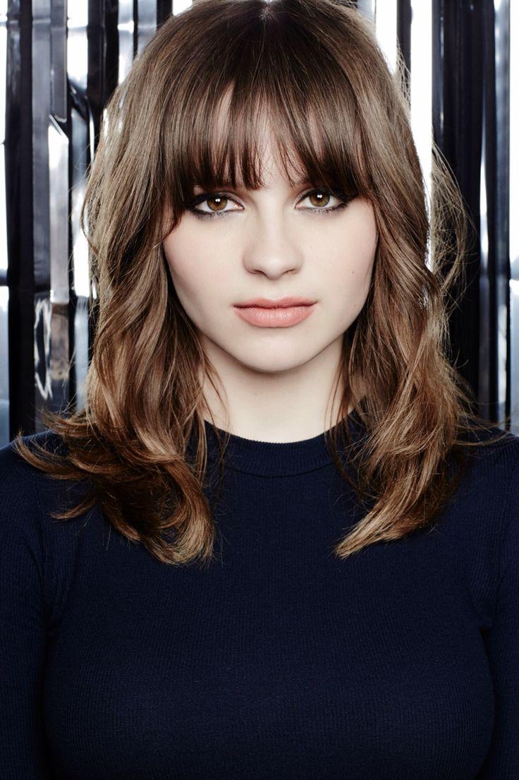 Gabrielle Aplin gorgeous cut & fringe