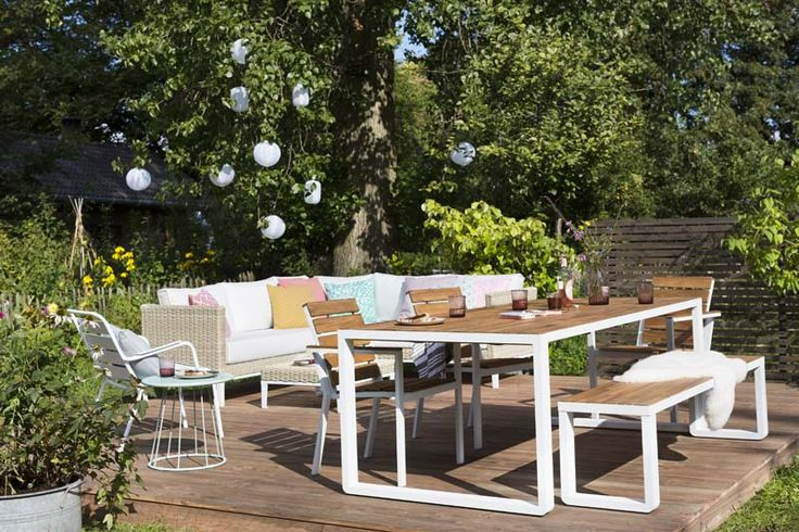 KARWEI | Heerlijk luieren en loungen doe je in je eigen tuin.
