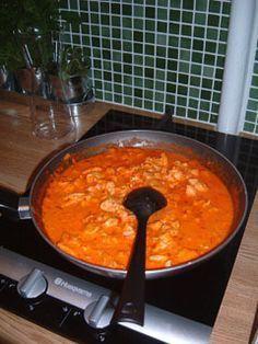 Viktväktarrecept I kväll ska jag hem till Linda och äta, så dagens middagstips blir: Ungersk kycklinggryta med klyftpotatis. Jättegott och såsen är även god att till tex ungsbakade grönsaker med ri...
