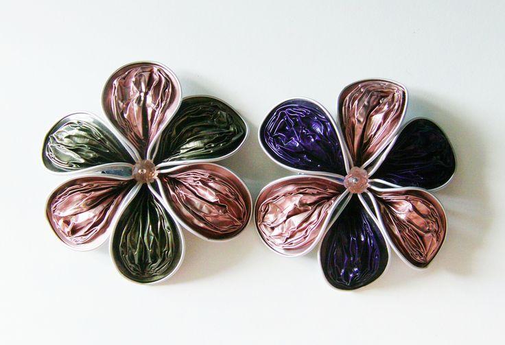 DIY: Flor reciclada de pétalos rugosos con cápsulas Nespresso para broch...