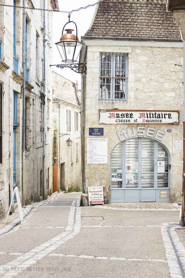 So Much Better With Age - Practicing Photography in Perigueux