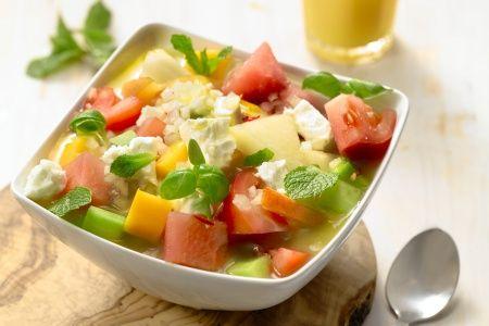 Tegenwoordig zijn de slaatjes bij de barbecue bijna even belangrijk als het vlees, en terecht! Een selectie van 7 originele salades voor bij de BBQ.
