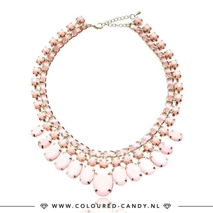 FASHION STATEMENT // https://www.coloured-candy.nl/roze-statement-ketting/ Maak vanavond je outfit helemaal af met een mooie statement ketting! ♡♡ #colouredcandy #sieraden #jewelry #statement #new #jewellery #necklace #trend #shop #gold #pink #fashion #mode #style #love #beauty #jewelrygram #fashionista #cute #girls #woman #trendy #beautiful #instagood #fashiongram #shopping #musthaves #bijoux #accessories