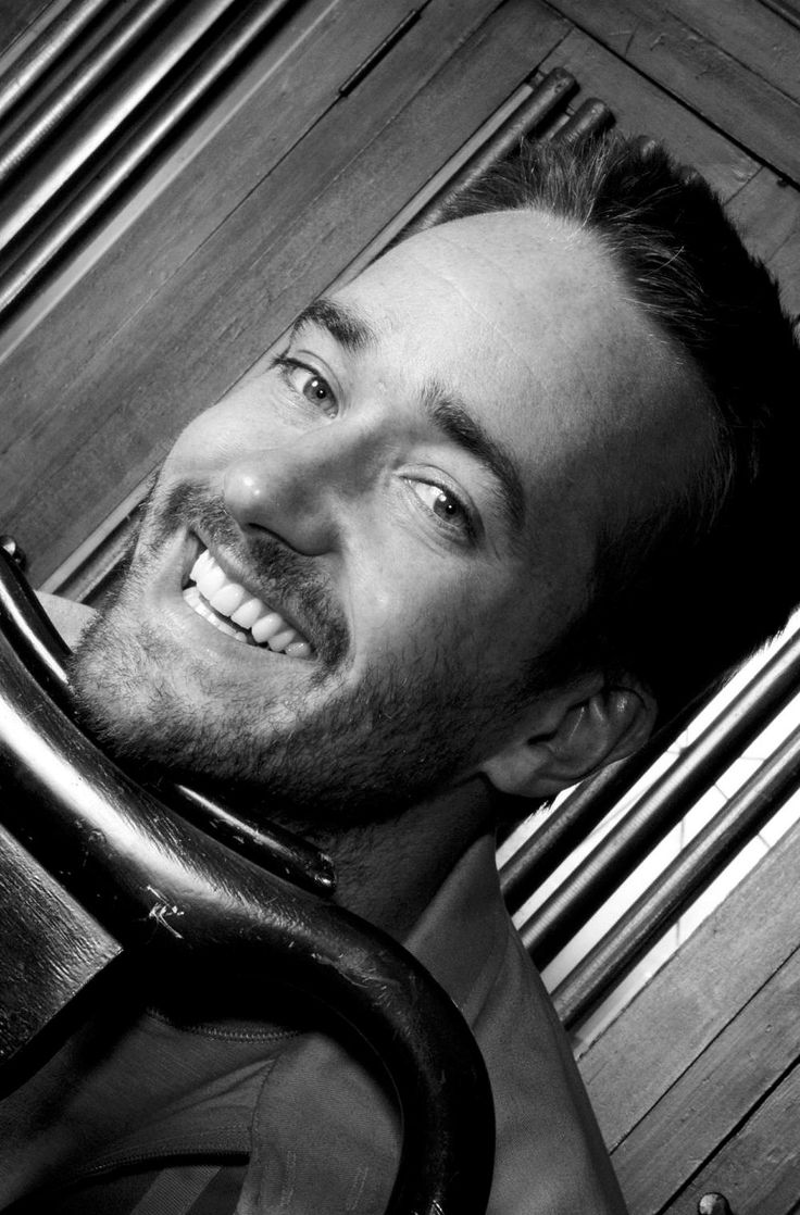 Matthew Macfadyen photo #245953 LONDON - JULY 23: Actor Matthew McFadyen poses at a photoshoot in London on the 23rd of July 2003.(Photo by Cambridge Jones)
