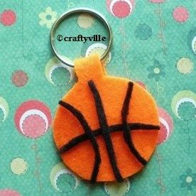 The kids will have so much fun with this DIY basketball felt keychain. Click on the image and read they easy step-by-step instructions.