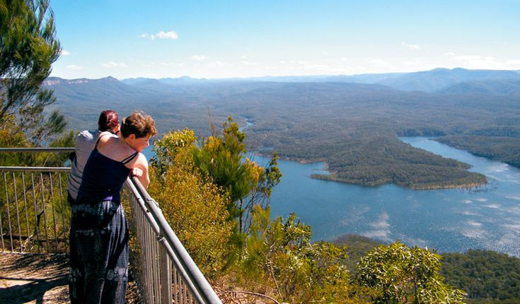 McMahons Point Ride, Blue Mountains National Park. Photo: Craig Marshall/NSW Government