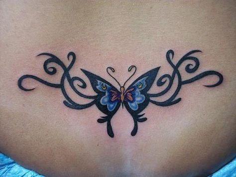 tatouage femme bas du dos petit papillon discret | tatouage