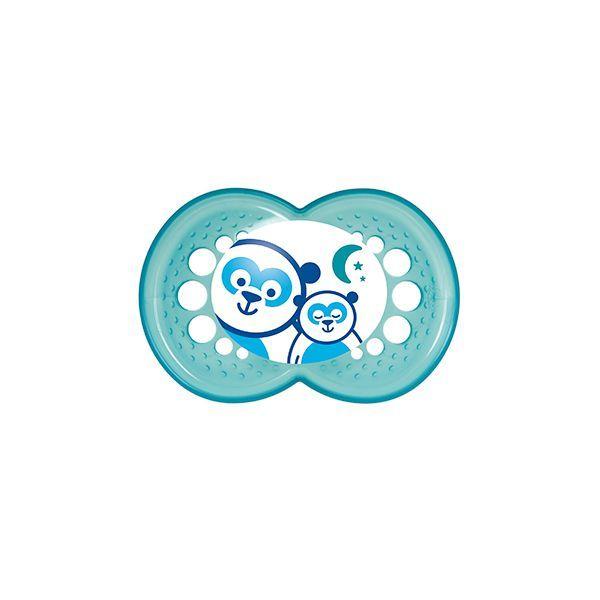 Chupete de silicona Mam Night 6+ meses niño. 2 unidades   http://www.babytuto.com/productos/higiene-salud-chupetes-chupetes-de-silicona,chupete-de-silicona-mam-night-6-meses-nino-2-unidades,39106?h=6&p=fb_page&i=babytutoPinterest-0621