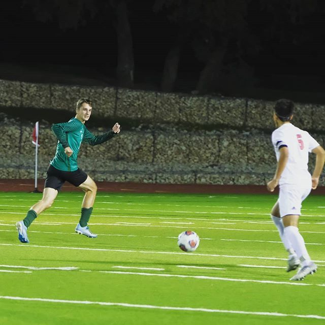 Evan Schawe Had His Second Hat Trick Of The Year Monday Night As Our Undefeated Boys Soccer Team Notched A Fifth Win The Be Soccer Boys Soccer Team Undefeated