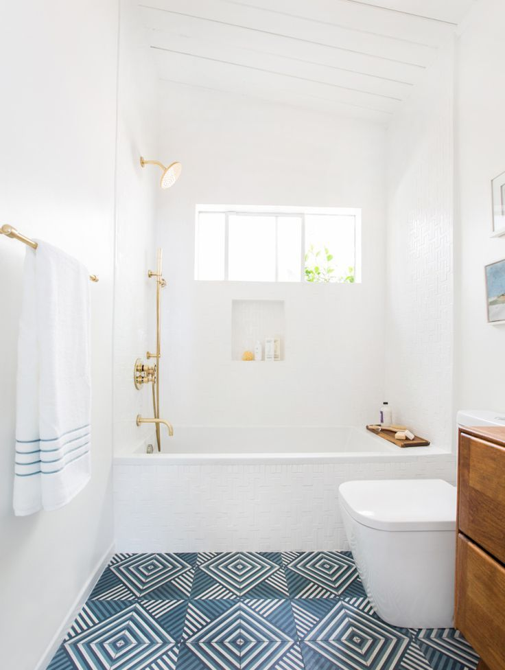 White And Blue Bathroom Tiles
