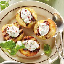 Gegrillte Pfirsiche mit Ziegenkäse
