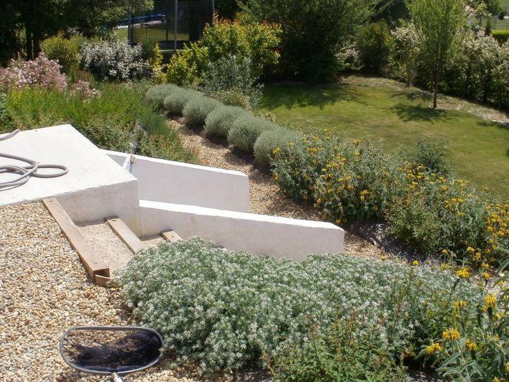 17 meilleures images propos de jardins en pente sur pinterest jardin en terrasse jardins et. Black Bedroom Furniture Sets. Home Design Ideas