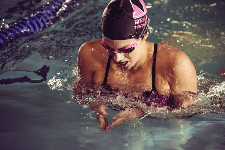 If you're wondering how to kick like a frog, hop on over to this guide. Here, you'll find helpful steps on how to kick breaststroke.