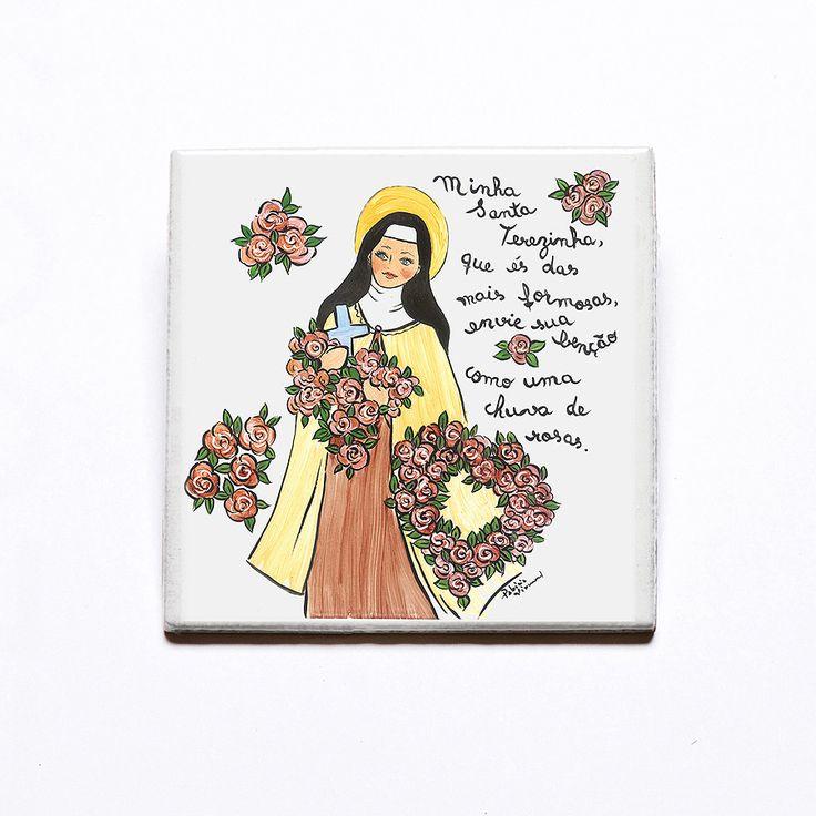Azulejo decorativo Santa Terezinha! #handmade #porcelana #porcelanadecorada #porcelanapersonalizada #decoração #decor #pintadoamão #feitoamão #brasil #brazil #lembrançadoBrasil #homedecor #porcelain #SantaTerezinha #religião
