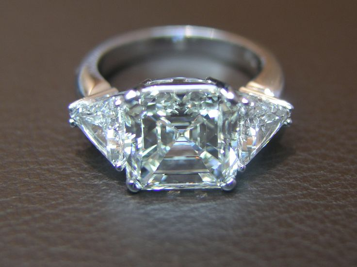 Katramopoulos Emerald Diamond Ring