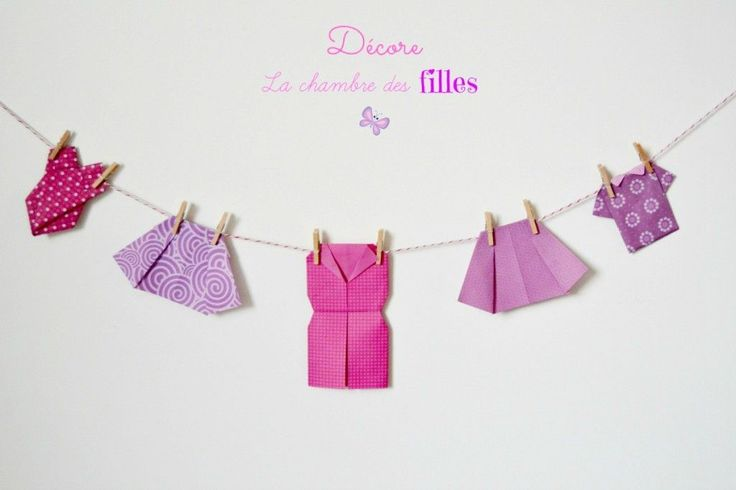 Une guirlande de v tements en origami suspendre dans la chambre des filles maillot de bains - Robe en origami ...
