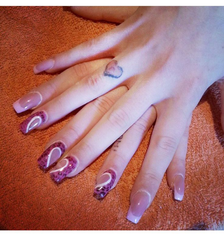#ricostruzione unghie #nails #nail art #heart #french #animalie