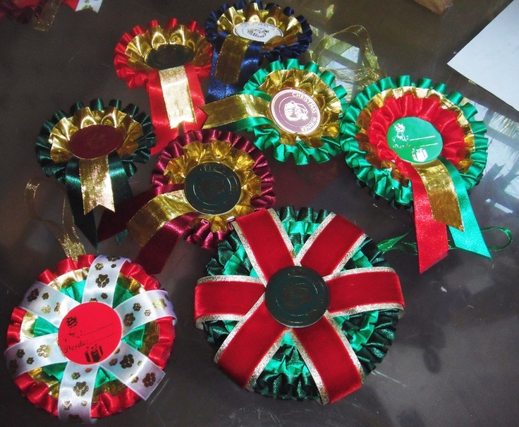 Rosettes for your winners, rosettes labels for gifts, hanging decorations and Christmas tree decorations... which would you choose from Rosettes Spain ~ Escarapelas España?