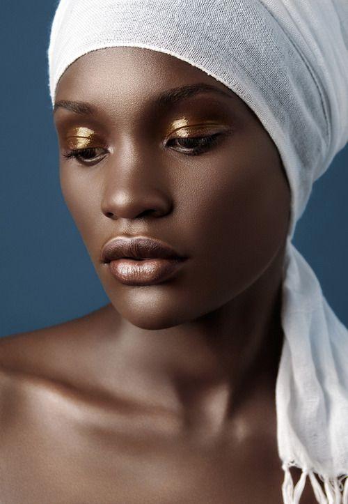Golden bronze eyeshadow brown skin red bronze lipstick nice make up on dark skin