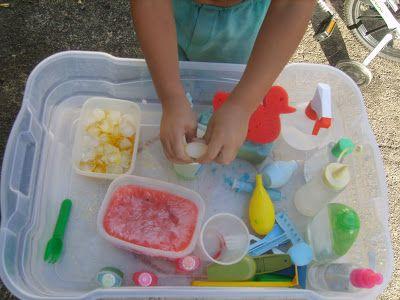 Estimulando meus filhos: Caixas sensoriais GELADAS