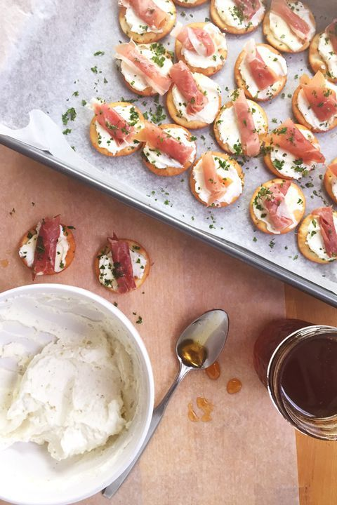 75 Christmas Appetizers to Please Every Holiday Guest Aperteziers