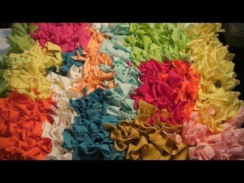 Tapete amarradinho feito na base de tecido de malha