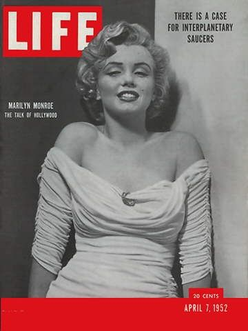 Marilyn first appeared on the cover of Life magazine on April 7, 1952.360 x 480 | 60.3 KB | www.marilyncollector.com