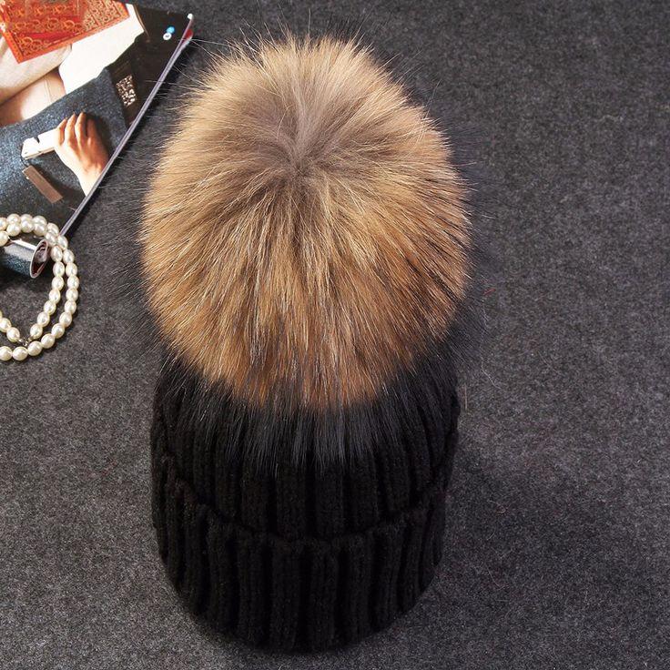 Černá dámská zimní čepice s velkou bambulí – SLEVA 40% A POŠTOVNÉ ZDARMA Na tento produkt se vztahuje nejen zajímavá sleva, ale také poštovné zdarma! Využij této výhodné nabídky a ušetři na poštovném, stejně jako …