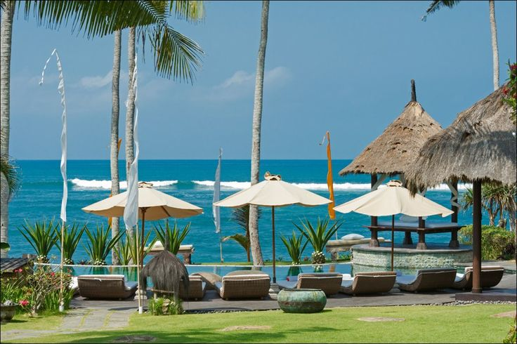 Beach Front villa in #TanahLot http://www.balilocations.com/fr/villas/tanah-lot/bvta636