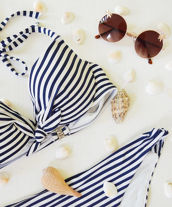 Nieuw: Bikini & Zonnebril