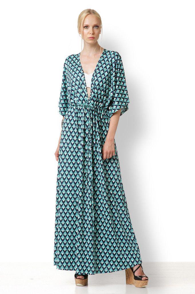 ΚΑΦΤΑΝΙ ΠΡΑΣΙΝΟ ΜΠΛΕ Φτιαγμένο από κρεπ ελαστικό αυτό το φόρεμα είναι ιδανικό για να καλύψει τις ατέλειες που έχετε ή νομίζετε ότι έχετε. Είναι ανάλαφρο και ιδανικό να φορεθεί από απλές περιστάσεις έως special events.