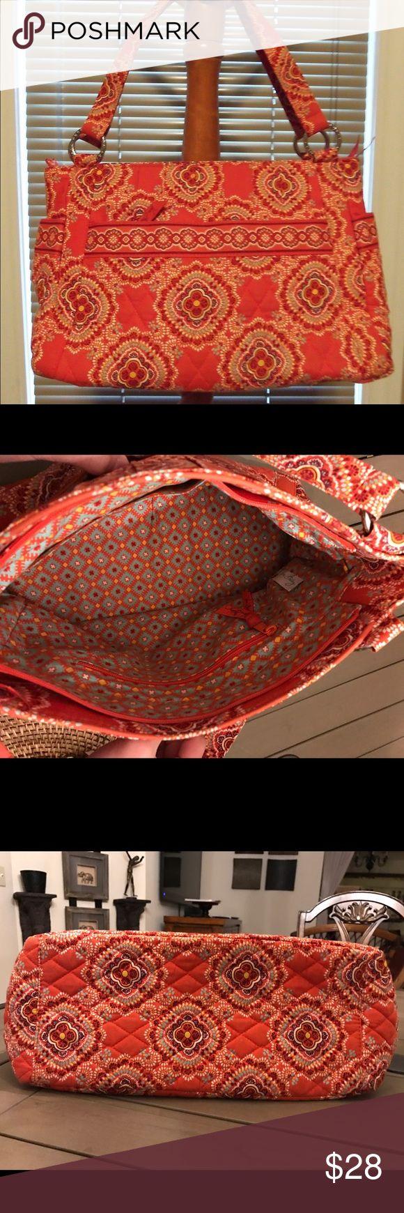 "Vera Bradley Stephanie ""Paprika"" Shoulder bag BRAND NEW with tag 👜. Vera Bradley (Retired) Paprika Orange shoulder bag. Zip top with cotton interior. Such a cute style. Vera Bradley Bags Shoulder Bags"